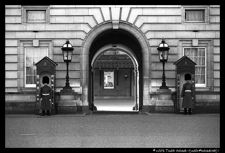 Buckingham Palace Entrance, London, UK; (Click for next photo)