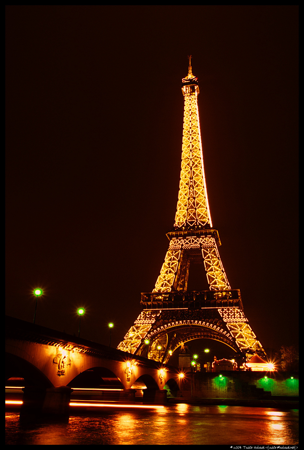 Night view of the eiffel tower (tour eiffel), paris, france
